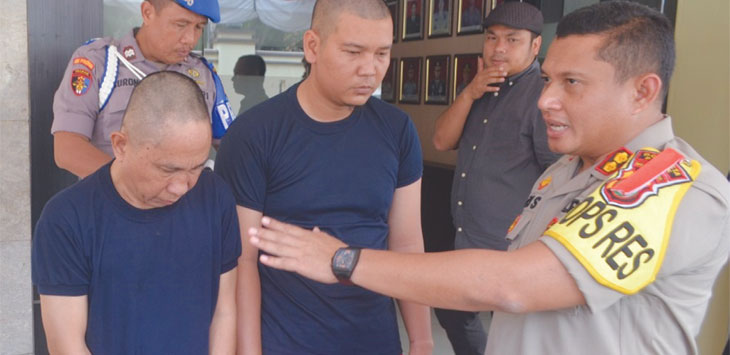 Kapolresta Depok AKBP Aziz Ardiansyah saat merilis pelaku kelompok pencuri antar kota di Mapolresta Depok. Radar Depok