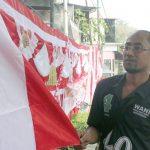 Penjual-Bendera-Merah-Putih-di-Sukabumi