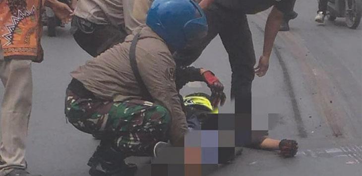 Siswa SMK di Sawangan tewas terlindas truk minyak di Jalan Raya Sawangan, Kecamatan Pancoranmas tepat di depan SPBU, Jumat (23/8/19). Radar Depok