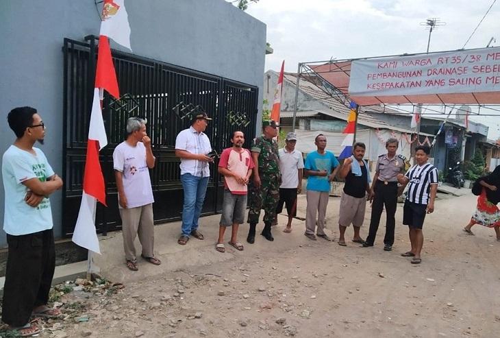 Warga Klari Karawang tolak proyek drainase APL