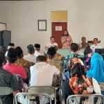 Camat Suranenggala saat melakukan rapat evakuasi kinerja Penjabat Kuwu Keraton pada 14 Agustus 2019 yang lalu. Ist/pojokjabar
