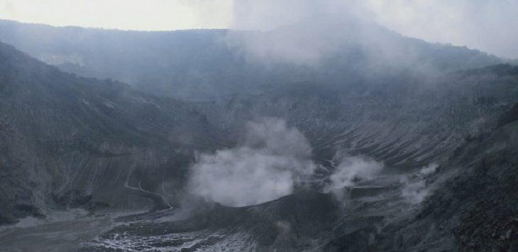 Erupsi Kawah Ratu Gunung Tangkuban Parahu./Foto: Istimewa