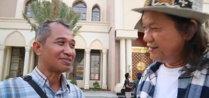 Gola Gong dan Suntoko, dosen Universitas Singaperbangsa Karawang