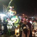 Kondisi arus lalu lintas di jalan raya Sunan Gunung Jati sudah di padati ogoh-ogoh peserta karnaval. Kirno/pojokjabar