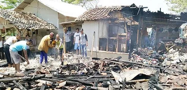 Salah satu rumah di Kabupaten Sukabumi hangus terbakar, belum lama ini.