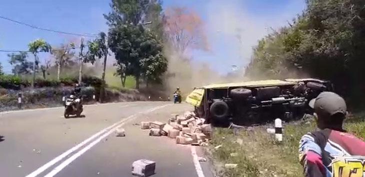 Kecelakaan di Tanjakan Emen Subang, Selasa (10/9/2019)./Foto: Istimewa