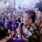 Ketua DPRD Kota Bogor Atang Trisnanto saat temui Mahasiswa Unpak Bogor.