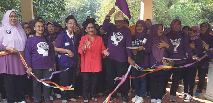 Komunitas Peduli Alzheimer Wilayah Kota Depok (ALZI) memperingati bulan Alzheimer, yang berlangsung di Halaman CAS UI, Rumah Dinas Rektor UI, Kampus UI, Minggu (15/9/19).
