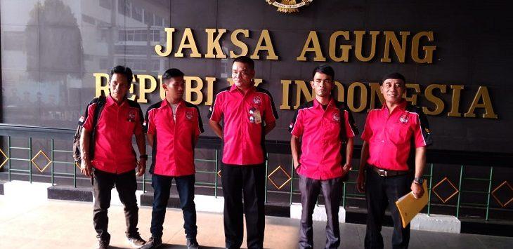 LSM Pemuda saat di Kejagung RI./Foto: Istimewa