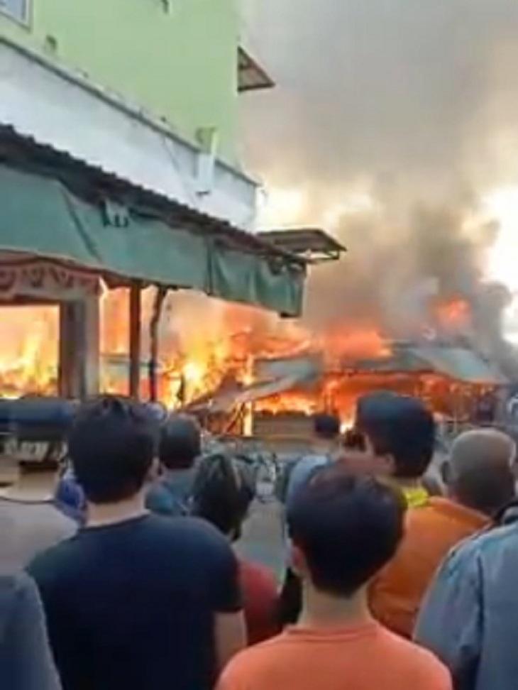 Pasar Cikurubuk Tasikmalaya kebakaran