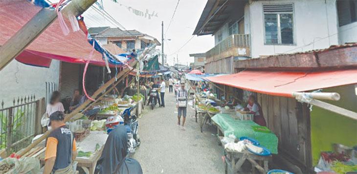 Beginilah suasana pasar di samping Pasar Cisalak, Kecamatan Cimanggis Depok yang diduga tiap hari dipungli. Radar Depok