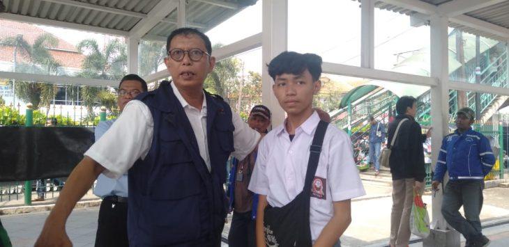 Pelajar STM atau SMK yang ditangkapi di Stasiun Bogor agar tidak demo ke Jakarta (adi)