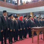 50 anggota DPRD Kabupaten Cirebon diambil sumpah. Ghofar/pojokjabar