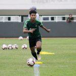 Pemain Timnas U-19 Bagus Kahfi latihan di Stadion Pakansari (cek)