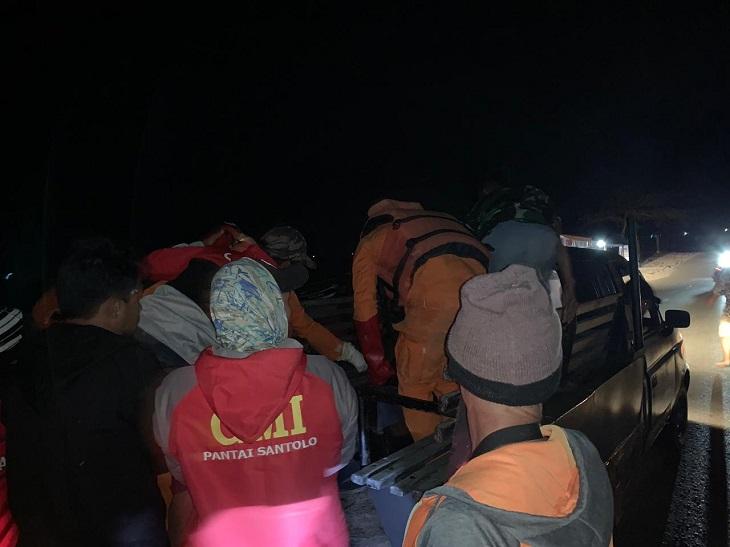 Pencarian korban tenggelam di Pantai Santolo Garut