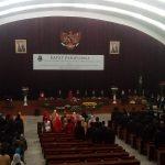 Rapat paripurna pengucapan sumpah dan janji anggota DPRD Jabar 2019-2024 (arf)