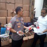 Ribuan botol miras yang diamankan jelang pelantikan Jokowi (arf)