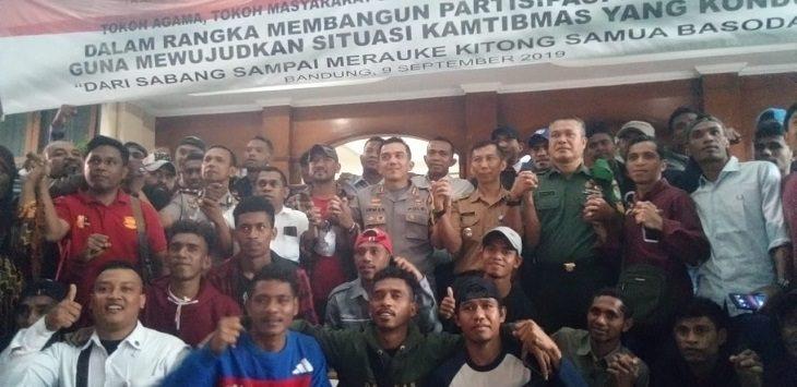 Warga Indonesia Timur di Bandung saat foto bersama./Foto: Arief