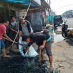 Warga PUP Sektor 5 Peringati WCD dengan Bersih-bersih Lingkungan