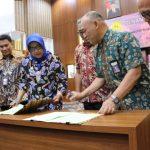 Bupati Bogor Ade Yasin tandatangani MoU dengan Unpak