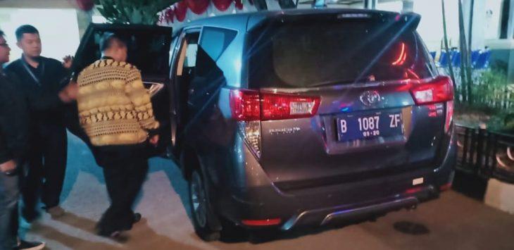 Bupati Indramayu Supendi yang ditangkap KPK dan dibawa ke Jakarta (ist)