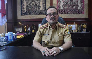 Bupati Cirebon Imron Rosyadi. Dede