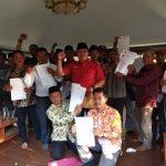 Carkim (baju merah) optimis maju pada bursa calon Wakil Bupati Cirebon. Dede