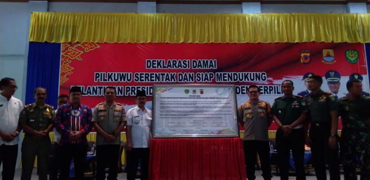 Deklarasi damai Pilwu serentak di Kabupaten Cirebon. Dede