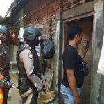 Tim Densus 88 geledah rumah terduga teroris S di daerah Evakuasi Kota Cirebon. ist