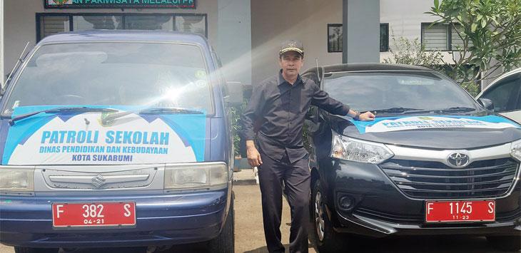 Dinas Pendidikan dan Kebudayaan Kota Sukabumi menyiapkan lima unit mobil untuk berkeliling dari sekolah ke sekolah demi memastikan tidak ada pelajar yang berangkat ke Jakarta.