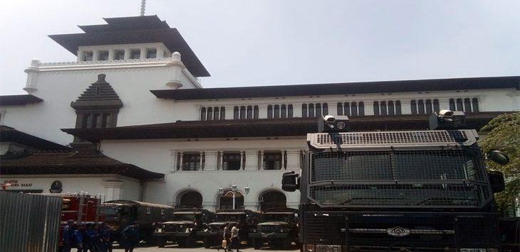 Gedung Sate Dijaga Ketat Personel Gabungan TNI Polri.