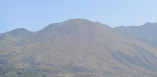 Gunung Guntur yang terbakar (ist)
