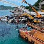 Jembatan di Nanfangao Taiwan runtuh menimpa tiga perahu nelayan. net