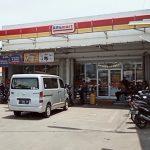 Minimarket di Mundu Pesisir disatroni kawanan perampok. Dede