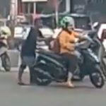 Oknum tukang parkir di Bandung