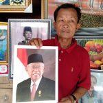 Penjual foto Jokowi-Ma'ruf