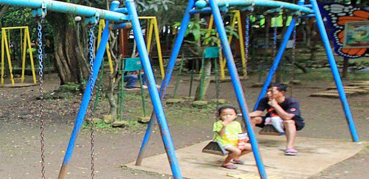 Warga beraktifitas di kawasan Taman Lembah Gurame, Kecamatan Pancoranmas. Radar Depok