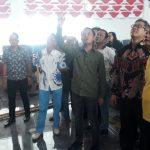Walikota Bogor Bima Arya saat meninjau dinding dan plafon gedung DPRD Kota Bogor yang runtuh (cek)
