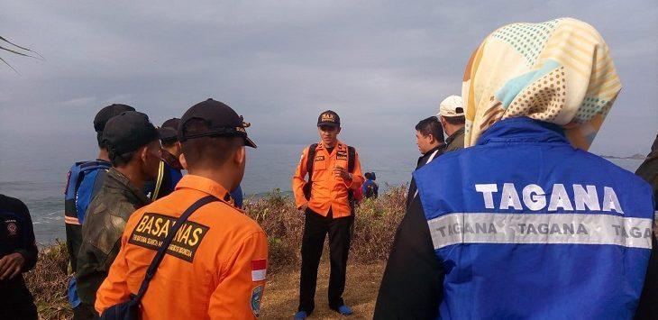 Tim SAR lakukan pencarian remaja terseret ombak di Pantai Keusik Luhur, Pangandaran, Selasa (5/11/2019)./Foto: Istimewa