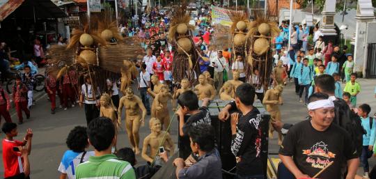 Pertunjukan Seni Genye hasil karya seniman purwakarta, menjadi salah satu kesenian khas purwakarta. Setiap di pertunjukan selalu ramai di tonton para pengunjung.