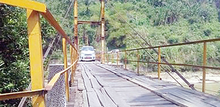 Kondisi Jembatan Leuwilalay kondisinya memprihatinkan.
