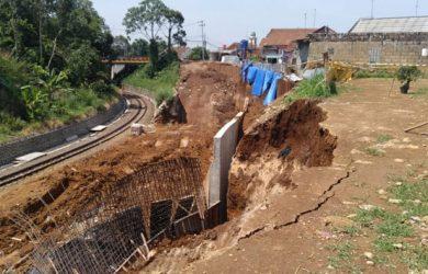 Longsor di Proyek Double Track KA Sukabumi-Bogor