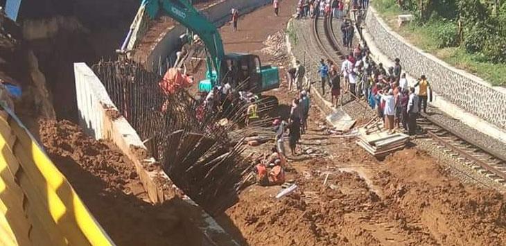 Longsor-di-Proyek-Double-Track-KA-Bogor-Sukabumi