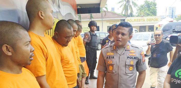 Pelaku Order Fiktif saat diamankan di Polres Metro Depok, rabu (20/11/19). Radar Depok
