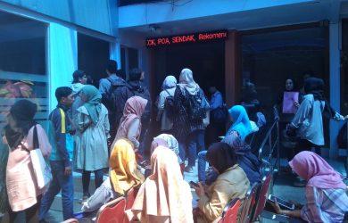 Pelamar CPNS yang membeludak di Polrestabes Kota Bandung (ist)