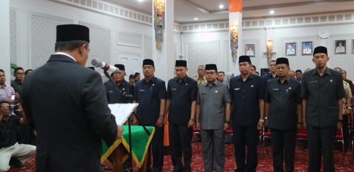 Walikota Cirebon Azis melantik tujuh pejabat eselon. Ist