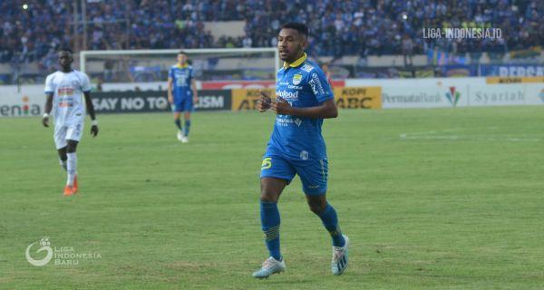 Penggawa Persib Bandung Julius Josel Omskarba
