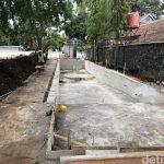 Proses pembangunan kolam renang di rumah dinas Gubernur Jabar Ridwan Kamil (dtc)