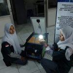 Siswi SMK PGRI Telagasari Karawang ciptakan generator tenaga surya