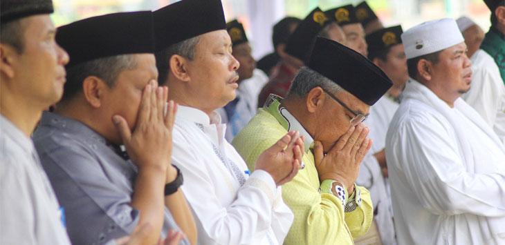 Walikota Depok Mohammad Idris menghadiri Peringatan Sejuta Maulid Nabi Muhammad SAW 1441 H tingkat Kota Depok dihalaman Balaikota Depok, Kamis (14/11/19).